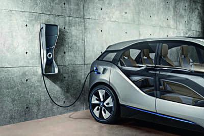 Carros elétricos utilizam ímãs em vários tipos de motores